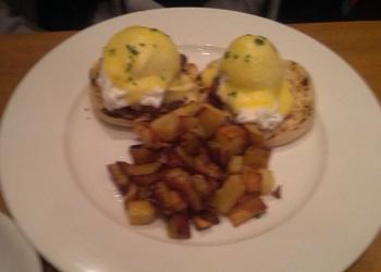 porkbelly_eggs_benedict_corkbuzz
