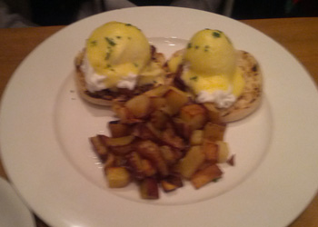 porkbelly_eggs_benedict_corkbuzz